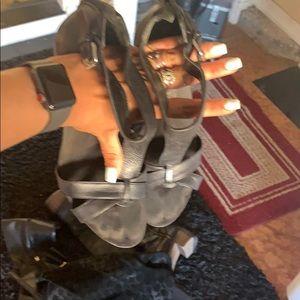 black sandals size 10